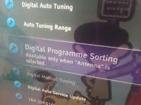 Sony Bravia kieltäytyy järjestämästä kaapeli-tv-kanavia englanniksi.
